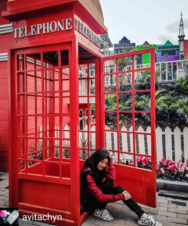 gambar telephone box taman bunga celosia 3 bandungan