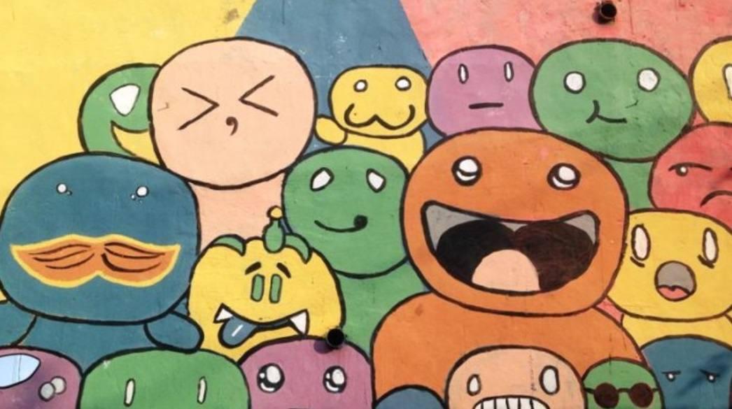 gambar tembok doodle rumah pelangi kota semarang
